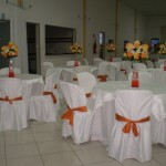 169933 os laços das cadeiras combinam com as cores das flores 150x150 Decoração Com Flores Para Festas, Fotos