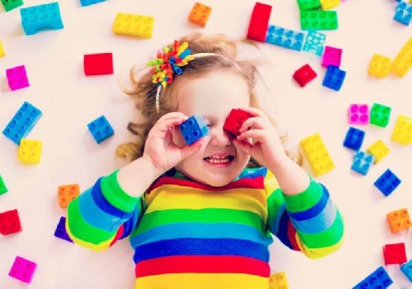Os brinquedos devem respeitar ar a faixa etária de cada criança (Foto: Divulgação)