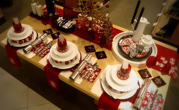 As velas iluminam a mesa e enche de alegria (Foto: Divulgação)