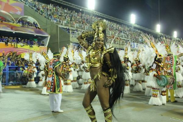 Cris Viana musa do Carnaval 2016 (Foto/MdeMulher)