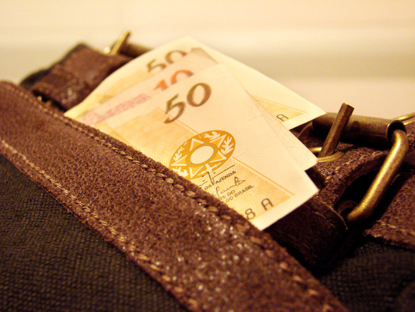 O IPTU pode ser parcelado e ajudar no bolso do contribuinte (Foto: FreePik)