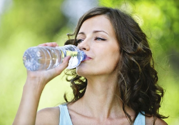 Hidrate seu corpo, ele agradece (Foto: MdeMulher)