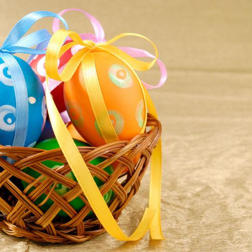 Na Páscoa existe uma comemoração simbólica onde as pessoas trocam ovos de páscoa