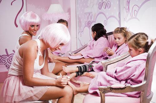 A vaidade infantil em excesso pode atrapalhar o desenvolvimento da criança (Foto: Divulgação)