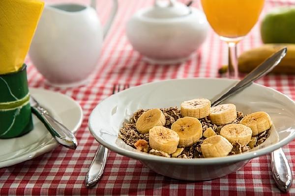 Cereais e frutas ajudam a manter o vigor (Foto: Divulgação)
