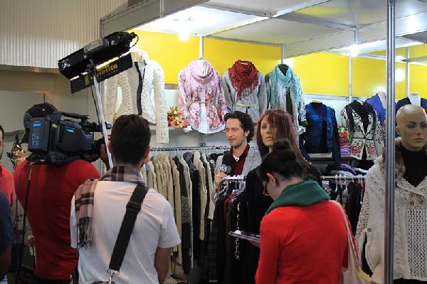 Muitas celebridades da moda costumam visitar a Feira (Foto: Divulgação)