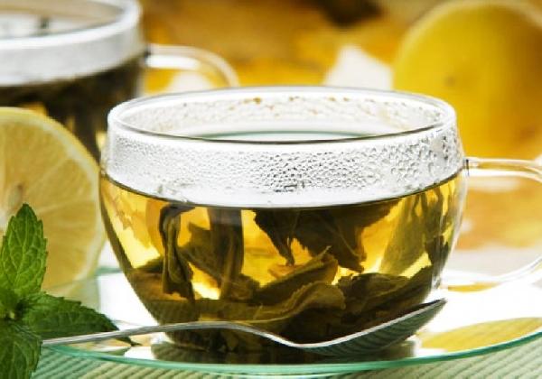 O chá quente no inverno ajuda a aquecer o corpo (Foto: Divulgação MdeMulher)