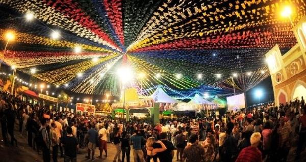 Inúmeros shows fizeram a alegria da população (Foto: Divulgação)