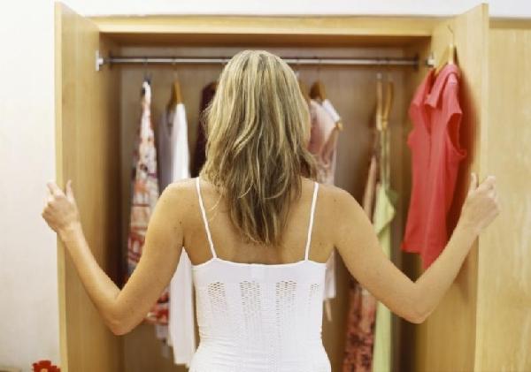 Faça doações das roupas que você não usa (Foto: Divulgação)
