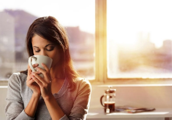 Bebidas quentes, como chás, são ótimos aliados para os dias frios do inverno e mantém a forma (Foto: Divulgação MdeMulher)
