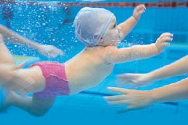 A natação ajuda na respiração(Foto: Divulgação)