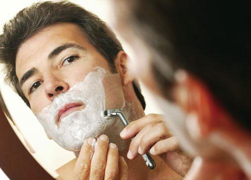 É indicado fazer a barba após o banho (Foto: Divulgação MdeMulher)
