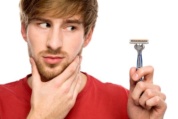 A hora de fazer a barba no inverno é sempre um tormento (Foto: Divulgação MdeMulher)