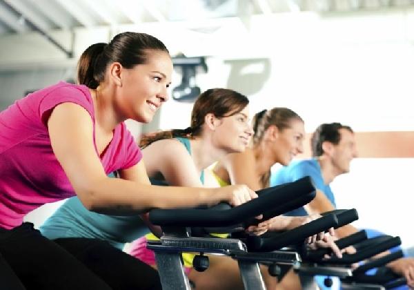 Frequente a academia e faça inúmeras atividades físicas (Foto: Divulgação MdeMulher)