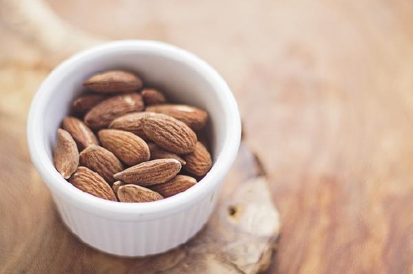 As castanhas, tanto a castanha do pará quanto a castanha de caju, são alimentos ricos em fósforo( Foto: Divulgação)