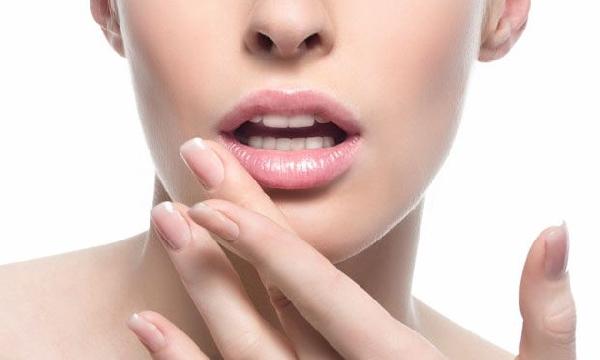 Os lábios também necessitam de cuidados especiais no inverno (Foto: Divulgação MdeMulher)