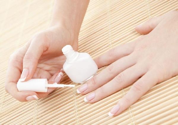 Os cuidados com as mãos também envolvem cuidados com as unhas (Foto: Divulgação MdeMulher)