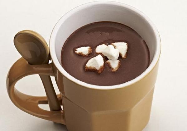 Chocolate quente é muito fácil de preparar (Foto: Divulgação MdeMulher)