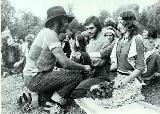 Hippies dos anos 70. (Foto: Divulgação)