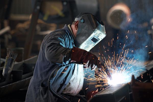 As empresas devem fornecer os materiais de segurança necessário para cada função. (Foto: Reprodução)