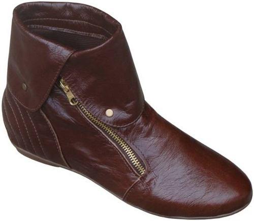 As botas de couro são mais duráveis sem perder o conforto (Foto: Divulgação MdeMulher)
