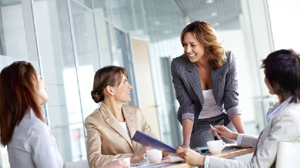 Um profissional Analista e Supervisor de Vendas também pode atuar em cargos relacionados como, por exemplo: Analista Comercial (Foto Divulgação: Exame/Abril)