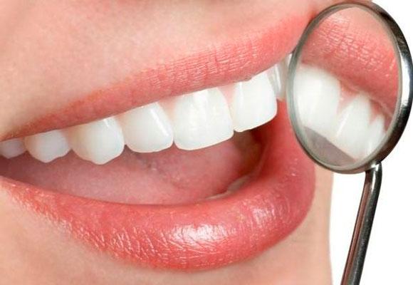 Implante dentário de graçanas universidades (Foto: Divulgação)