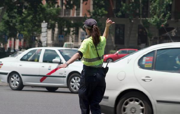 É fundamental obedecer a legislação de trânsito para evitar acidentes e infrações (Foto: Divulgação)