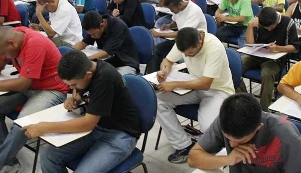 Todos os anos as autoescolas estão cheias de novos alunos (Foto: Divulgação)