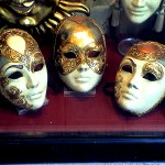 Máscaras usadas em festas de Carnaval na Europa (Foto: Divulgação)