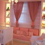 Todos os detalhes são importantes na decoração do quarto de bebê feminino.  (Foto: Divulgação)