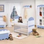 Até mesmo o azul pode fazer parte da decoração do quarto de bebê feminino. (Foto: Divulgação)