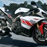 Yamaha-R1-2012