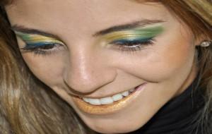 Maquiagem Com as Cores da Bandeira do Brasil