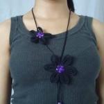 Maxicolar de flores de tecido. (Foto: Divulgação)