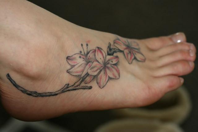 Tatuagem linda para os pés (Foto: Divulgação)