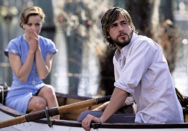 Um passeio de barco pode ser uma ótima opção romântica (Foto: Divulgação MdeMulher)