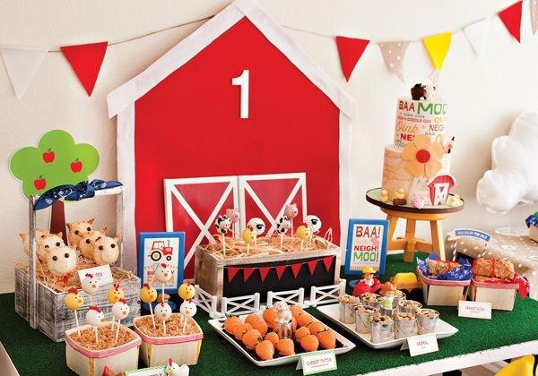Muitos doces e comidas gostosas são servidas para as crianças (Foto: Divulgação)