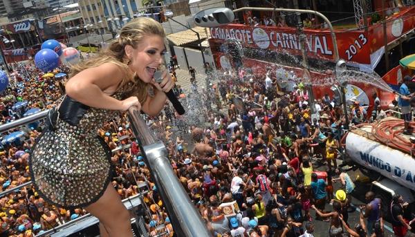 Os blocos infantis ganham força e diversão nas vozes das famosas (Foto: Happy)