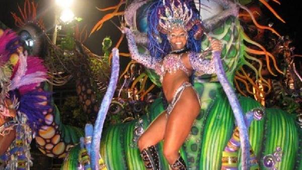 Carnaval a maior festa popular do mundo (Foto: MdeMulher)