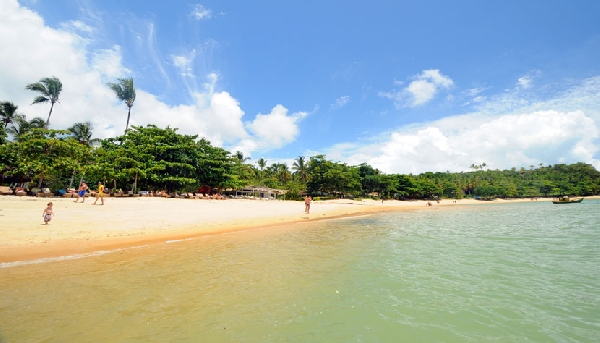 Considerada uma das praias mais bonitas do Brasil, a Praia do Espelho (Foto: CVC)