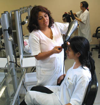 curso-gratuito-de-cabeleireiro-do-senac-mg