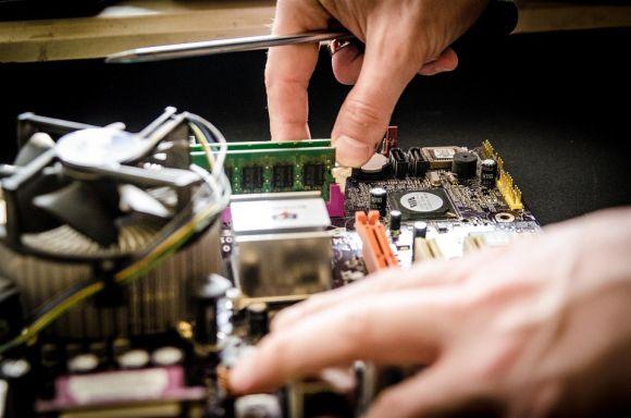 consertando computador