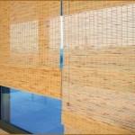 A cortina de bambu proporcionaa privacidade ao ambiente
