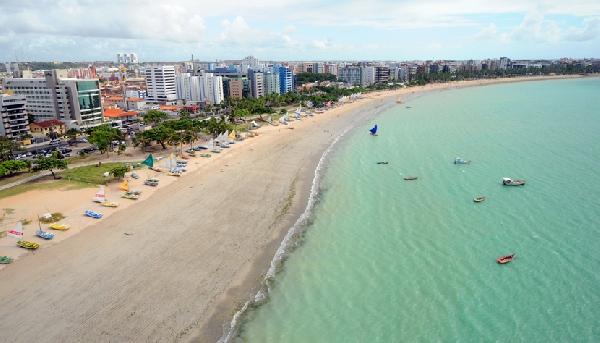A capital de Alagoas  possui visual de paraíso tropical(Foto: CVC)