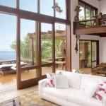 Fachadas com portas de madeira