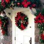 Porta de entrada decorada para o natal. (Foto: Divulgação)