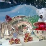 Opção de decoração de vitrine de Natal para loja de utilidades. (Foto: Divulgação)