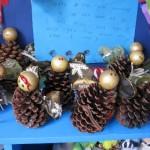 Pinhas decoradas pelas crianças. (Foto: Divulgação)