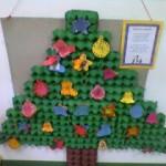 Árvore de natal feita de caixinha de ovo pintada de verde é uma outra ideia (Foto: Divulgação)